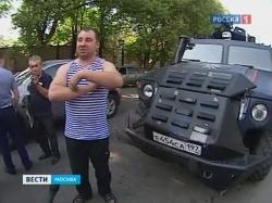 В Москве во время празднования Дня ВДВ пьяные десантники протаранили Chevrolet на военном «Тигре»
